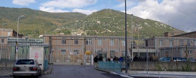 Casa Circondariale Di Fuorni, Napoles, Italia. Sexto concierto.